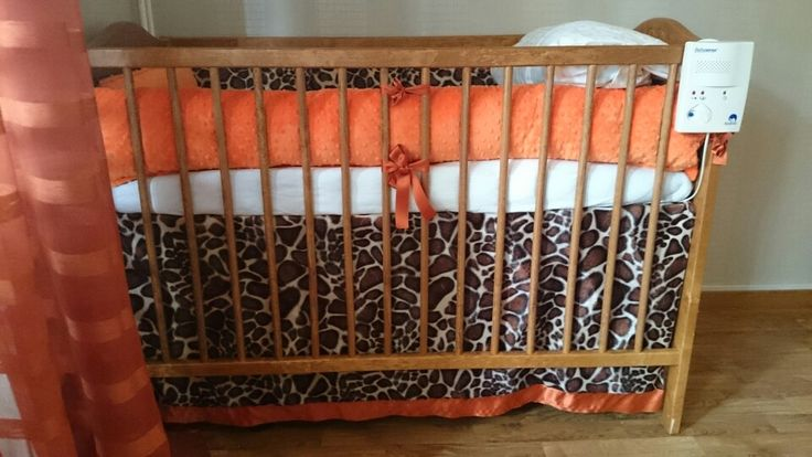 I got so sick of all the expensive baby beddings set so i made my own. Minky giraffe baby neutral bedding set <3