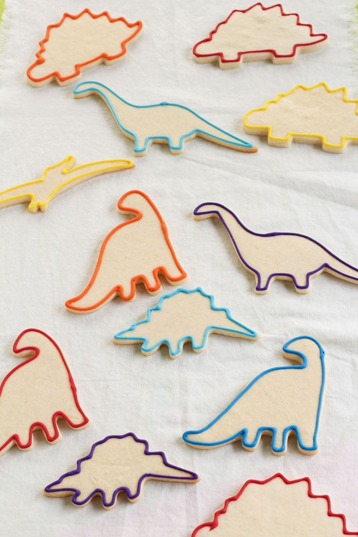 How to Make Fun Dinosaur Cookies -Sugar Cookies Decorated with Royal Icing   The Bearfoot Baker