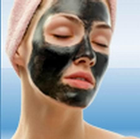 FACIAL LUMPUR (MUD FACIAL)  Mud Facial menggunakan masker lumpur untuk wajah yang akan masuk ke pori-pori kulit wajah dan bermanfaat untuk:  Membersihkan hingga jauh kedalam permukaan kulit Masker lumpur juga sangat efektif untuk mengontrol kelenjar minyak di wajah sebagai penyebab timbulnya jerawat dan tetap menjaga kelembaban kulit. Memperbaiki proses regenarasi sel Meningkatkan kekenyalan kulit wajah Mmbantu menghilangkan jerawat