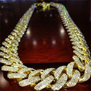 Mega Iced Out Cuban Link Chain...Sickadociousnesssss!!!!..I want 1 just like it..or 3 maybe..