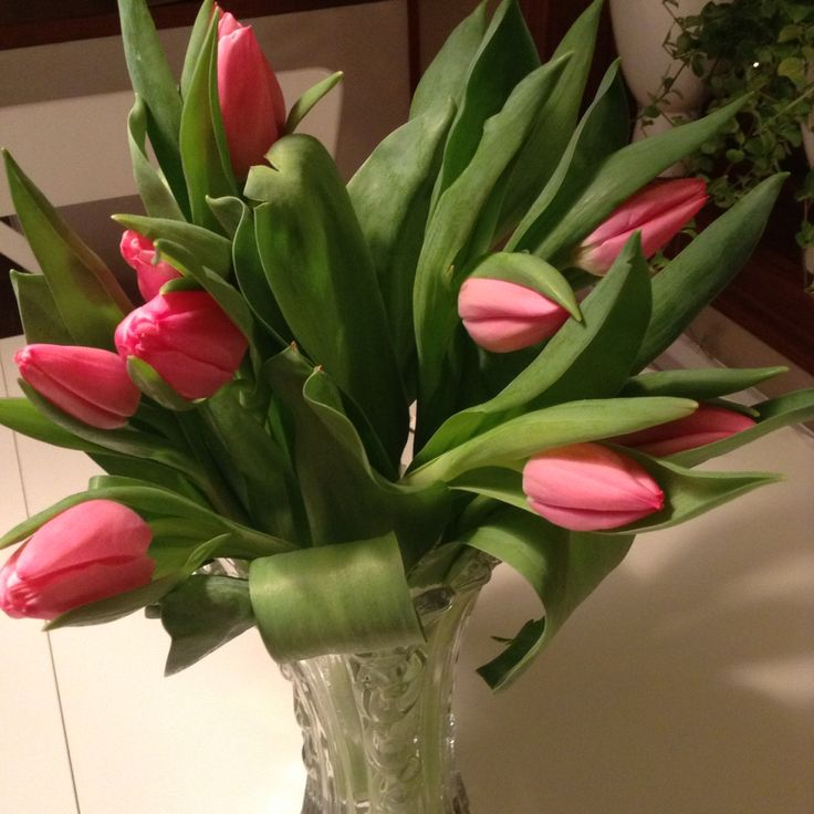 Pink tulips light up the kitchen