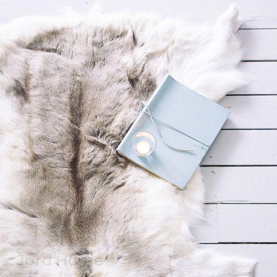 Zeldzame licht grijs grijze rendieren verbergen gooien door JordHome