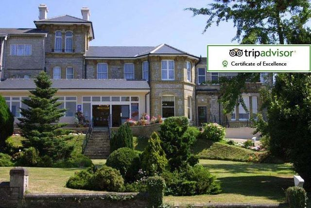 2-3nt Isle of Wight for 2, Spa Voucher, Dinner & Ferry - Summer Availability!