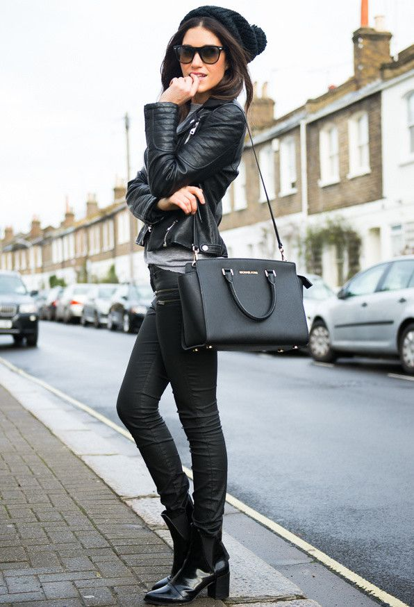 Street Style: Gorgeous Casual Outfits - love when all black looks anything but boring.