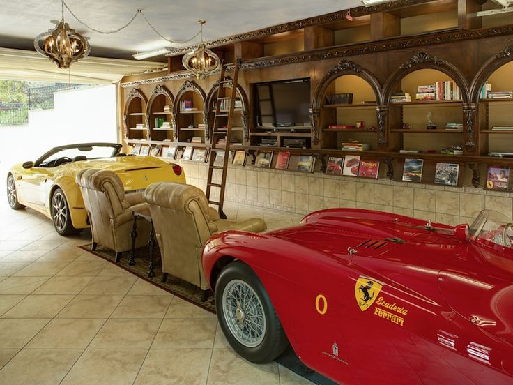 113 best images about nice garages for carz on pinterest ultimate garage cars and garage man. Black Bedroom Furniture Sets. Home Design Ideas