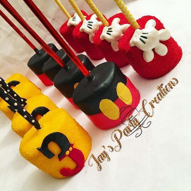 Mickey Mouse themed chocolate covered marshmallows .....Mickey's body and the number 3  painted using @poppypaints  and the Mickey Mouse hand was painted using @poppypaints  pearl paint..... its sooooo perfect! #mickeymouse #mickeymouseparty #mickeymousebirthday #mickeymousepretzel #coneyisland #brooklyn #instayum #poppypaints #poppypaint #chocolatecoveredmarshmallows #mickeymousemarshmallow #marshmallows