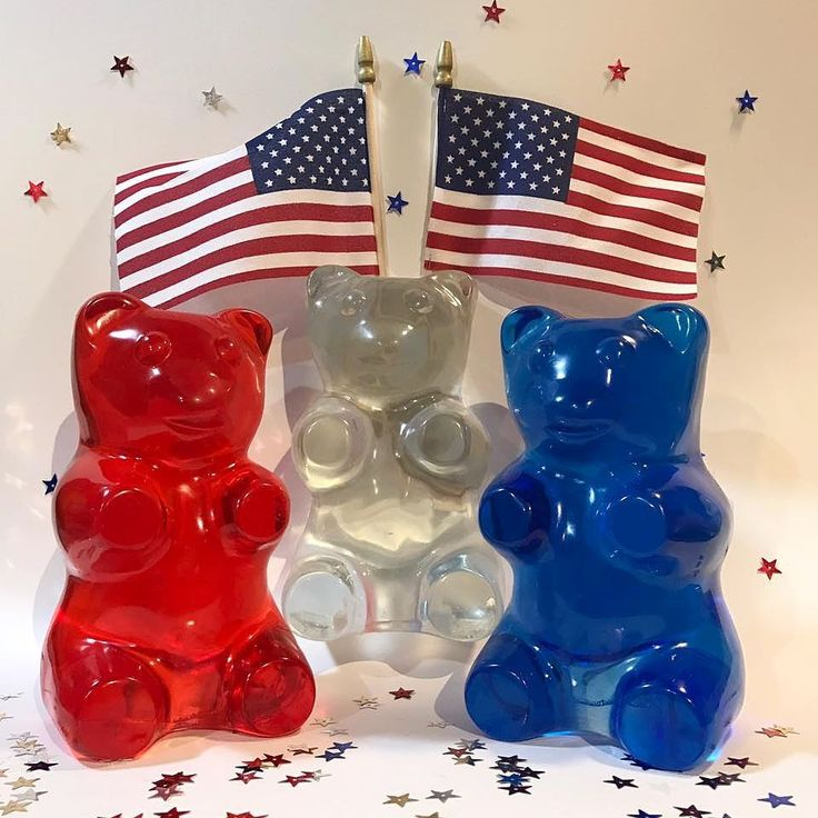 Happy 4th of July! To celebrate, and to thank all our fans, @jelliodesign is having an INDEPENDENCE WEEK GUMMY GIVEAWAY! For the next three days, we will give away one of our Jellio.com gummilights...in red , white (clear) and blue. Follow @jelliodesign for details! #happyfourthofjuly