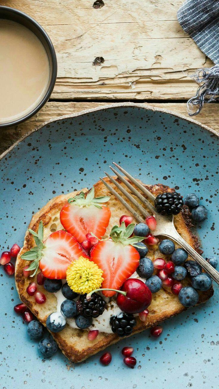 Raňajky Lievance s ovocím a medom