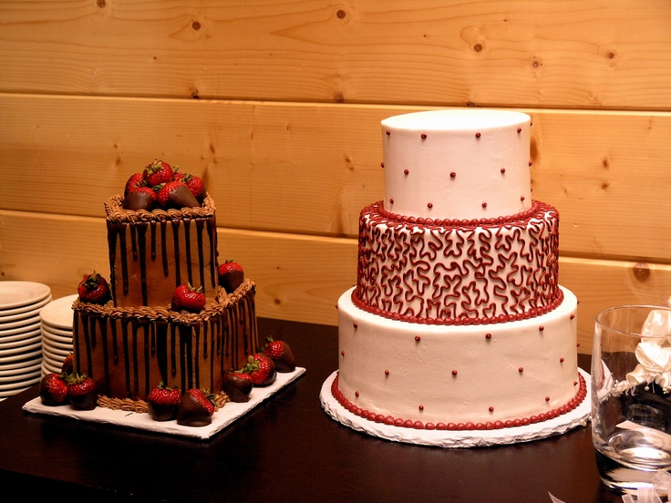 Sandys Wedding Cakes At Flower Mountain Weddings In Sevierville TN
