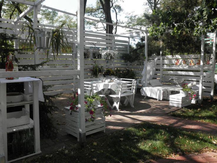 popołudnie w naszym otwartym pokoju w ogrodzie --------- an afternoon in our open garden room