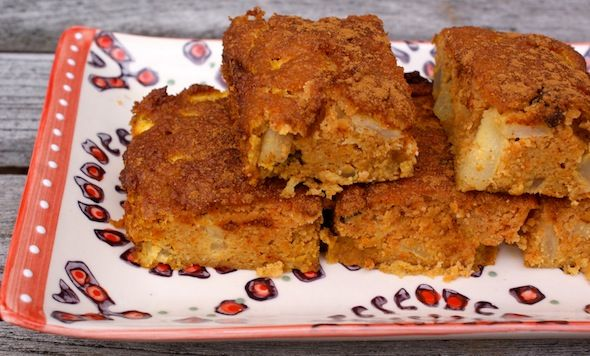 Grain-Free Apple Kugel (2 tablespoon raw honey,  3/4 cup almond flour, 1/2 cup coconut flour, 3 eggs, 4 apples & 4 carrots) http://realfoodforager.com
