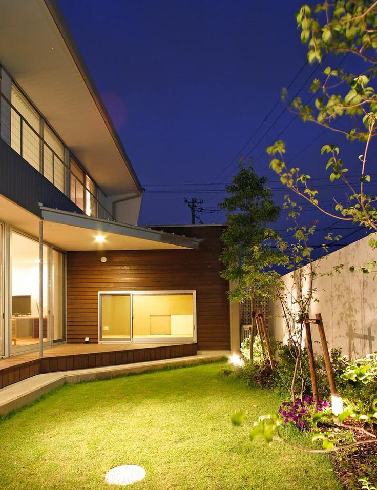 八日市出町の家: 福田康紀建築計画が手掛けたバルコニー&テラスです。