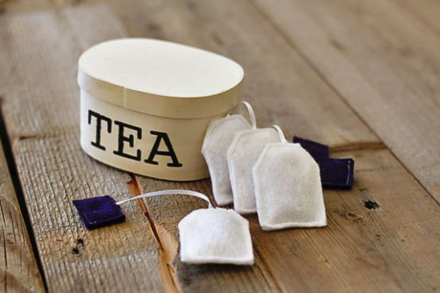 Felt tea bags for the play kitchen