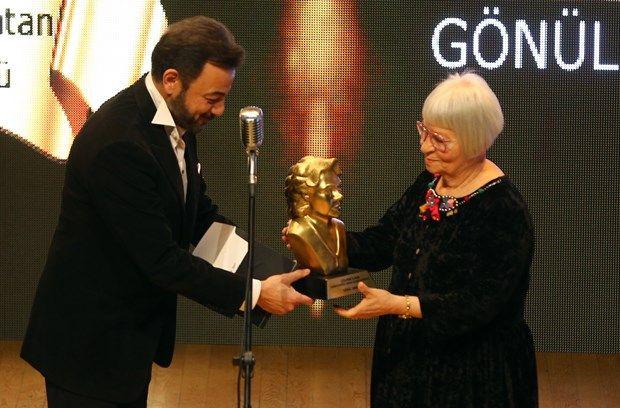 Sanat - 7.Sadri Alışık Ödülleri'ni kazananlar belli oldu - 2 | NTV