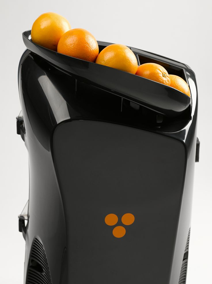 With just a glance you can control the machine activity or number of oranges to be squeezed.