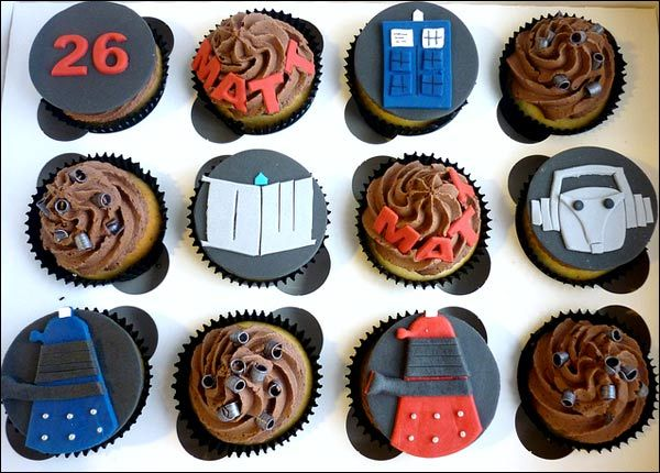 Delicious-looking Doctor Who cupcakes =) #doctorwho