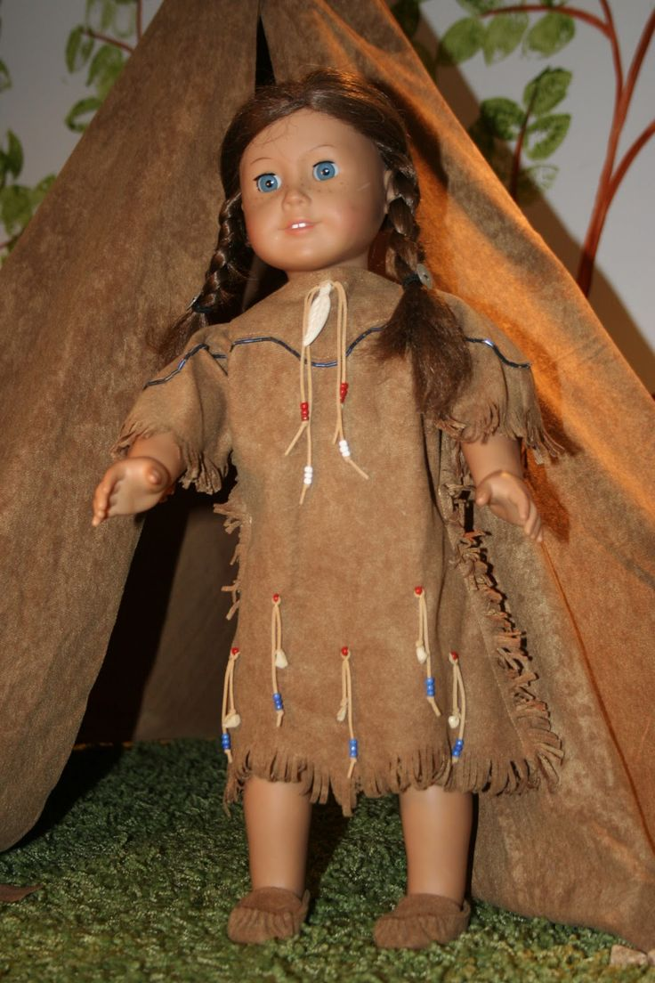 """Native American dress and mocassin for 18"""" dolls -  free pattern and tutorial. Site also has other great tutorials for dresses and accessories for dolls."""