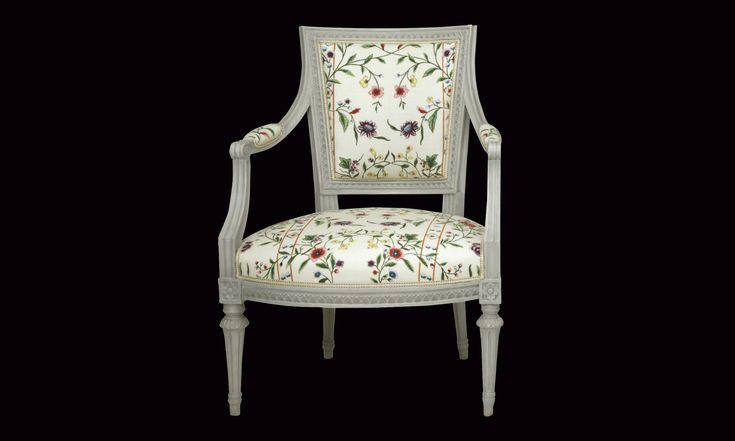 Gustaviansk karmstol från 1790-tal. En av två varav den ena signerad IEH, Johan Erik Höglander.