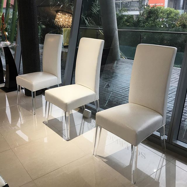 Martty chairs! @sovereigninteriors #sydneyshowroom #interiors #sovereigninteriors  #luxury #luxuryliving #luxe #interiors #sydneyinteriors  #interiors