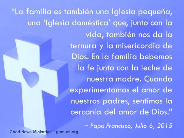 """""""María nos enseña a poner a nuestras familias en las manos de Dios."""" Leer más en: www.zenit.org/es/articles/las-bodas-de-cana-se-repiten-con-cada-familia-con-cada-uno-de-nosotros"""