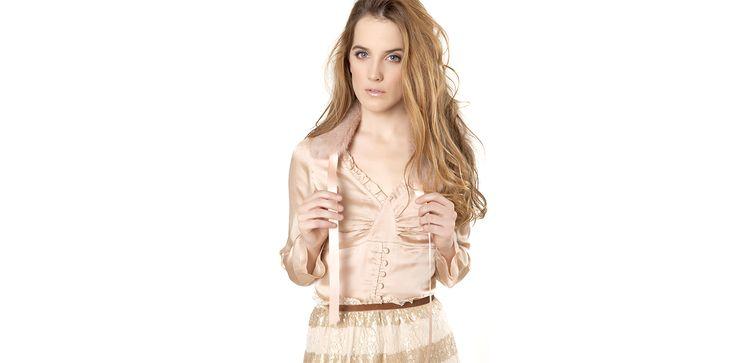 Romantic blouse and pink fur collar. Lookbook Otoño / Invierno 2013 Lio de Faldas