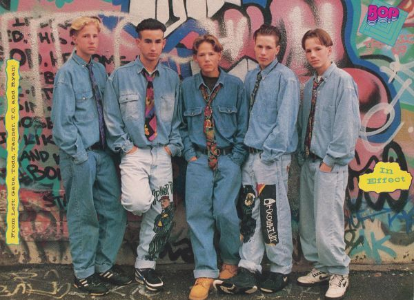 Baggy 90's double denim. OH GOD PLEASE DON'T COME BACK ...