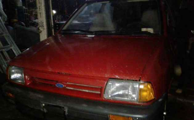 Stocking Stuffer: 1988 Ford Festiva #USA #American, #Ford, #Projects - https://barnfinds.com/stocking-stuffer-1988-ford-festiva/