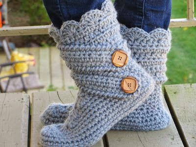 Crochet Dreamz: Woman's Slipper Boots Crochet Pattern, Classic Snow Boots, US sizes 5-10