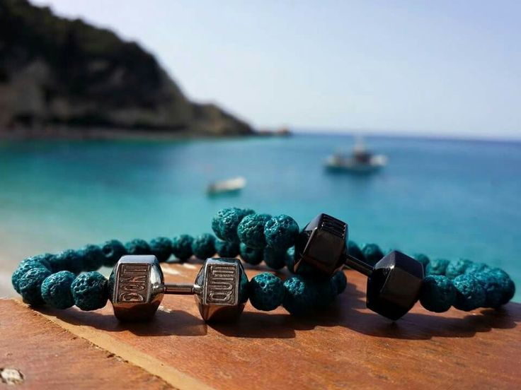 "Summer is close  Now is the perfect time to make your dreams come true #dontquit    Handmade bracelet with semiprecious stone and stainless steel dumbbell ""DON'T QUIT""  