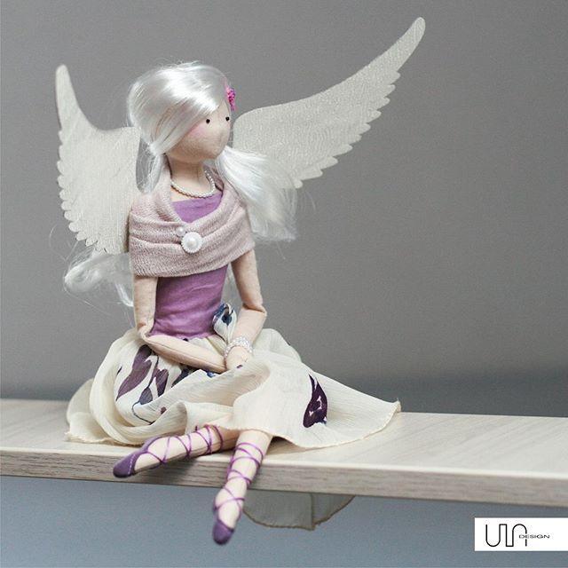Spokojnej niedzieli!  #ULAdesign #angel #anioł #handmade #rękodzieło #lalkikolekcjonerskie #artdoll #fiolet #panna #anielica #białewłosy #baletki #perły#dekoracja #prezent