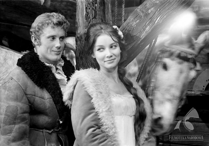 """Pola Raksa i Daniel Olbrychski w filmie """"Popioły"""", 1965."""