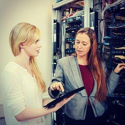 Praxisnahes Studium in der HfTL  #telekom #dual #informatik #software #engineering #studium #wirtschaftsinformatik #master #resaerch #angewandteinformatik #student #mint #roboter #berufsbegleitend #linux #leipzig #vba #bachelor by hftleipzig