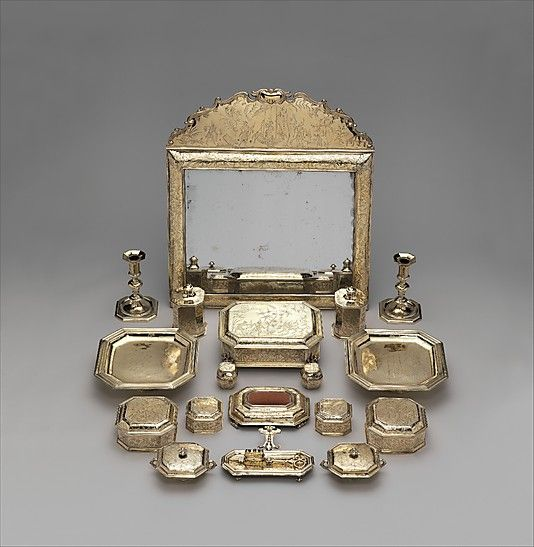 Chinese Wedding Gifts For Brides Parents : ... wedding small boxes a grand antique silver powder room wedding gifts