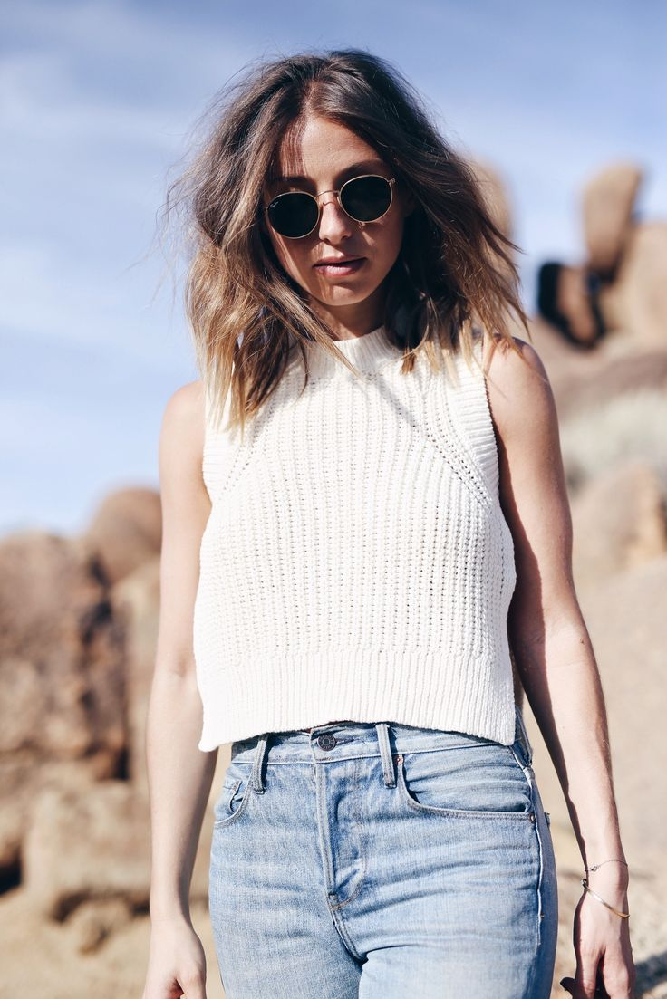 knit top in the desert @aritzia