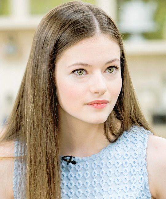Mackenzie Foy as Haley and Klaus's lil girl :)