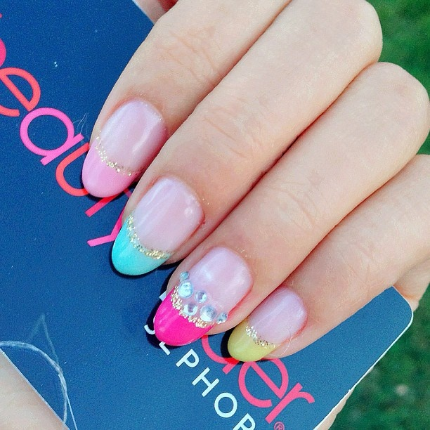 French Tip pastel neon