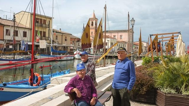 Fishermen friends in Cesenatico, Italy #Cesenaticobellavita