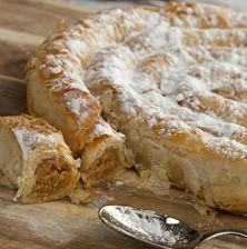 Παραδοσιακή, γλυκιά κολοκυθόπιτα σαλίγκαρος, με υπέροχη γεύση μελιού και κανέλας