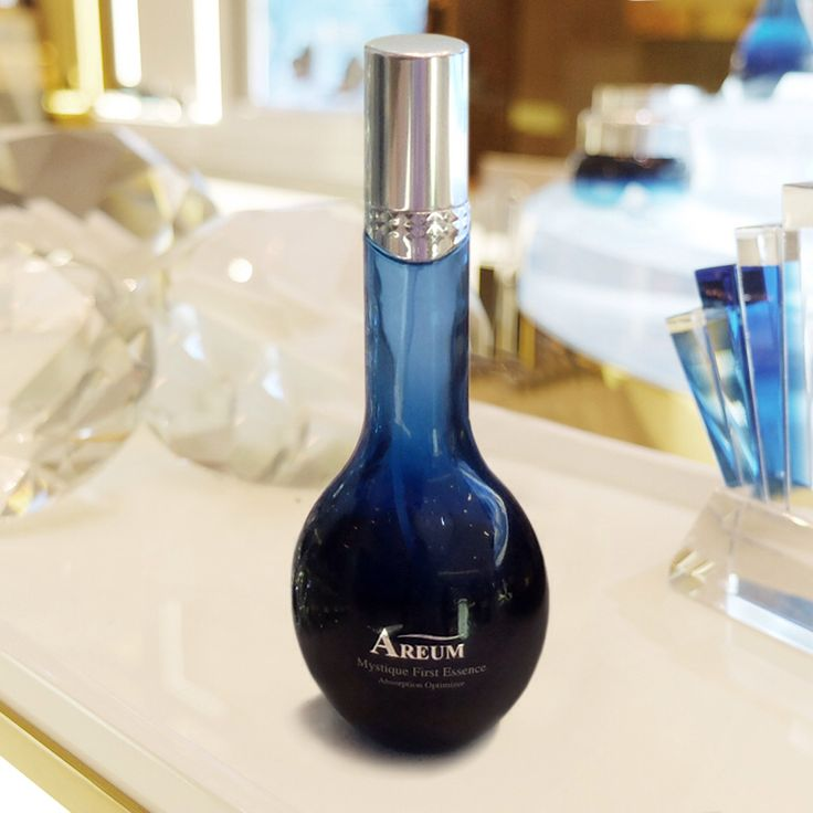 Prepare your skin for the ultimate anti-aging experience with Areum Mystique First Essence. It's an absorption optimizer that reactivates and re-energizes the skin beyond the surface, and restores the skin's balance for an ageless complexion.