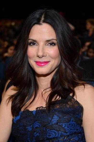 Eco-friendly Hollywood actress Sandra Bullock was lauded by the folks at the People's Choice Awards on Jan. 9, 2013.