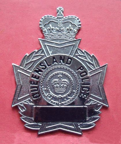 BADGE - Australia - QLD - Queensland Police wallet badge (old style to 1989)