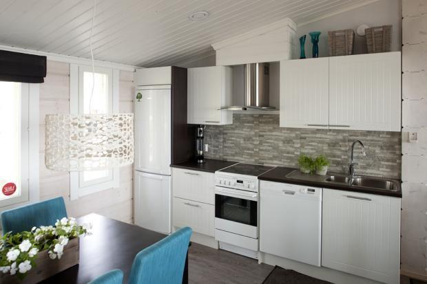 Finnlamelli Oy - Keittiö | Asuntomessut  liesituulettimen yläosa piilotettu