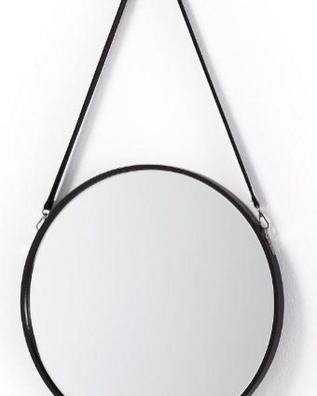 Se på noe vakkert, se på deg selv i et speil fra mirame.no   Speil modell NAVY. www.mirame.no #speil #stue #soverom #gang #bad #innredning #møbler #norskehjem #mirame #pris #nettbutikk #interior #interiør #design #nordiskehjem #kunstpåveggen #butikk #oslo #norge #norsk #påveggen #bilde #speilbilde #navy #duerspesiell #duervakker