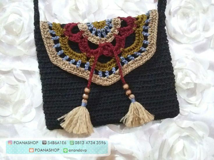 Crochet slingbag #rajut #tessel #slingbag #clutch #crochet #pouch #dompethp #dompetwanita #handmade #slingbaglucu #slingbagmurmer #slingbagrajut #slingbagcewek #pouchrajut #rajutmurah #rajutan #requestdesain #clutchrajut