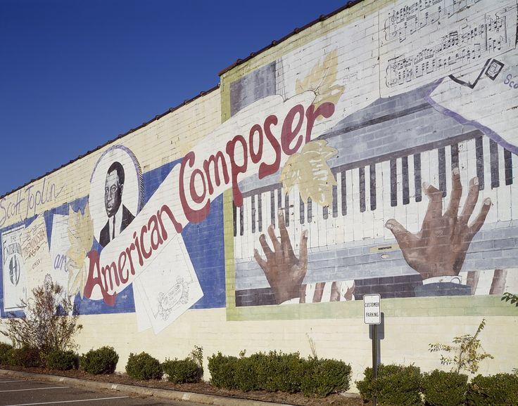 1984 Texarkana, Texas mural honoring American ragtime composer Scott Joplin, who grew up in Texarkana. Photographer Carol M. Highsmith's America, Library of Congress Prints and Photographs Division.