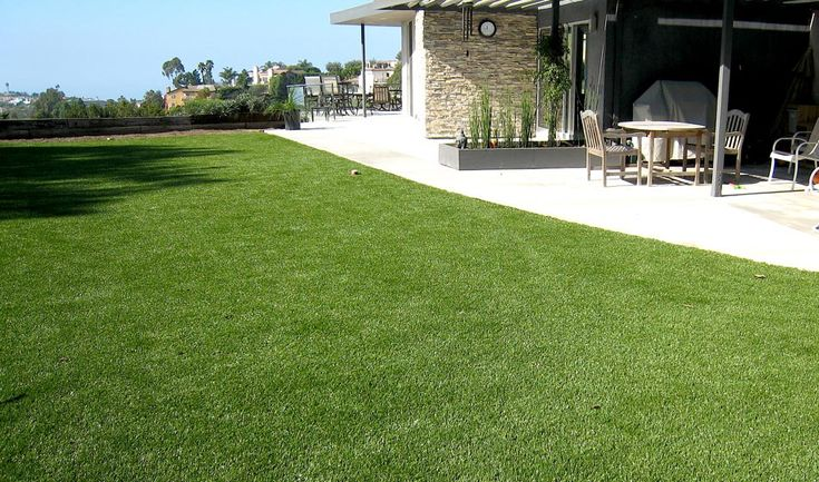 Homes, businesses and golf courses across San Diego are buying their putting turf from SGW San Diego. Our club quality putting greens are virtually maintenance-free and replicate natural golf greens. The speed of SGW San Diego putting greens exceeds the U.S. Golf Association's championship standards which highly ranks our green's quality.