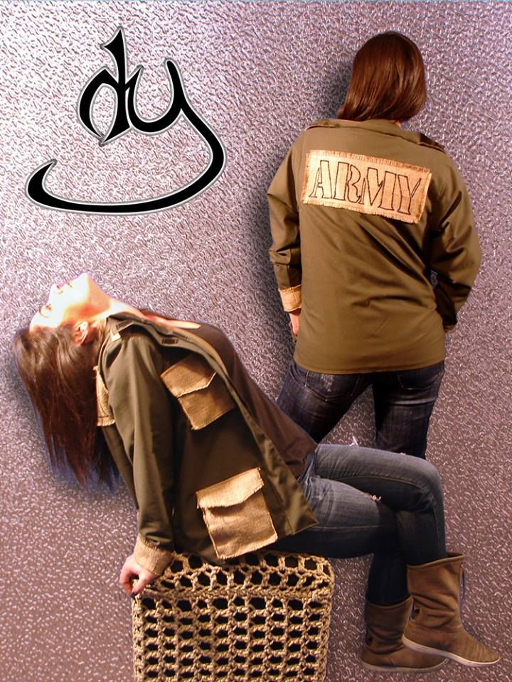 Army Style woman's jacket with details in burlap (yuta) and lining. From our ARMY COLLECTION