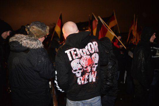 Anti-migrants, contre les droits des femmes, anti-écolo : le nouveau parti allemand qui monte est bien d'extrême droite - Basta !