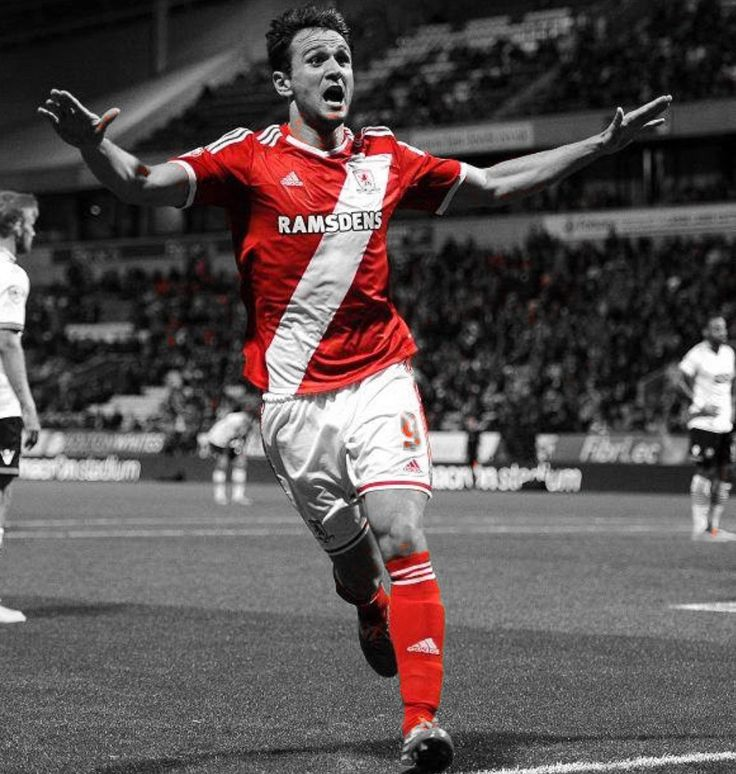 Kike celebrating the winner @ Bolton