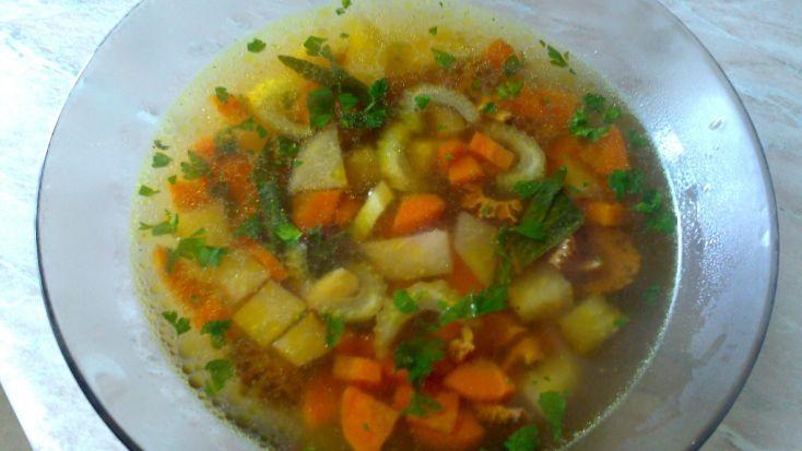 Fotorecept: Smrečkovo zeleninová polievka